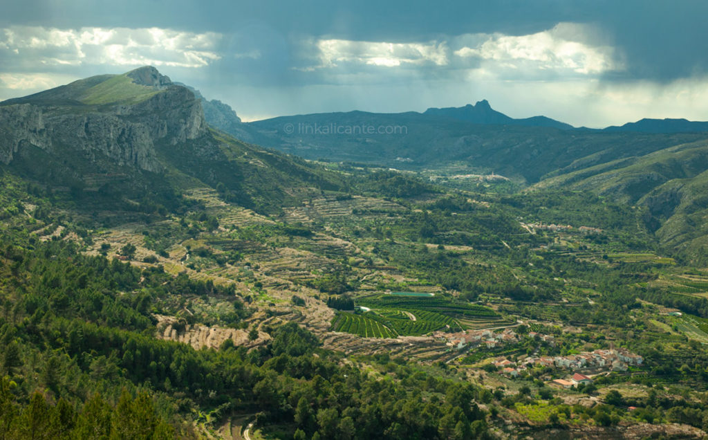 Vall de Gallinera hiking trails, Alicante